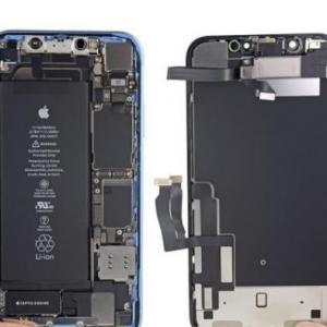 iPhone XR手机突然黑屏死机,系统还是主板问题?