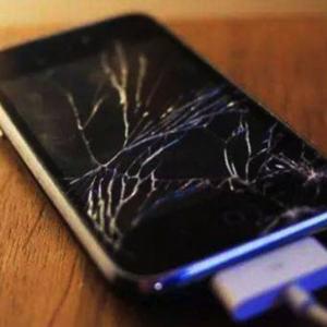 上海苹果用户手机换屏幕都去哪里换_大概多少钱?